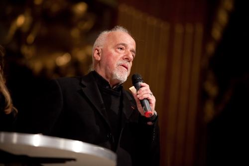 Paulo Coelho über Bücher und das Internet